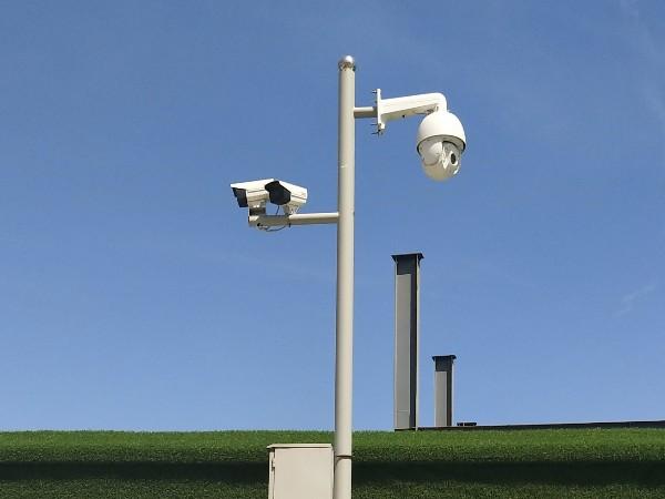 野外条件下,想要安装无线无网监控摄像头怎么办?
