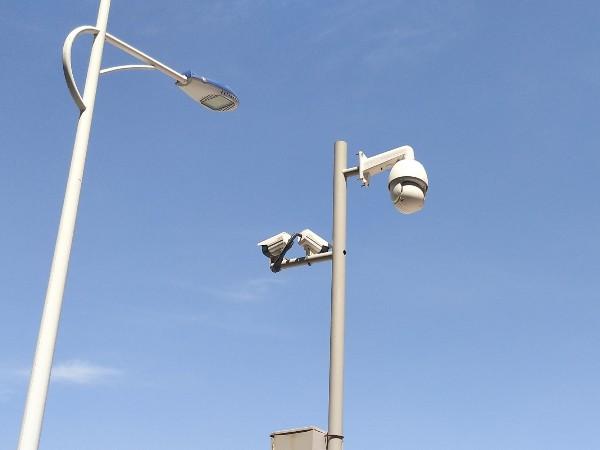 高清视频监控系统记录下的惊心动魄的一幕
