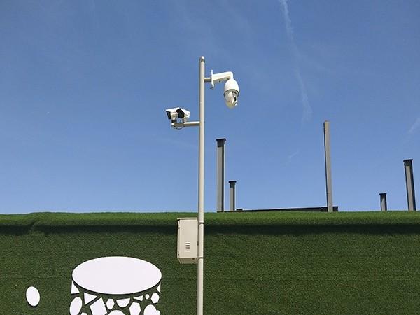 """安装高空抛物摄像头,守护市民们的""""头顶安全"""""""